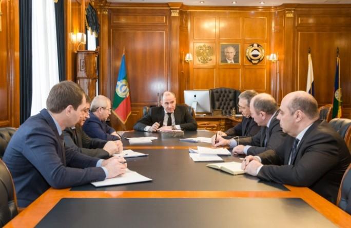 Члены Правительства доложили Главе республики о готовности к реализации инициативы Президента о выплатах семьям, в которых в 2018 году родятся первенцы