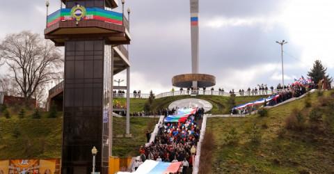 Глава Карачаево-Черкесии Рашид Темрезов поздравил жителей страны с пятой годовщиной воссоединения Крыма и города Севастополя с Россией