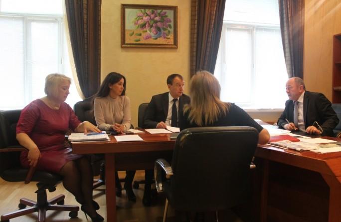 Министр провел рабочее совещание по вопросу оказания и финансирования услуг по немедицинской реабилитации и ресоциализации наркопотребителей