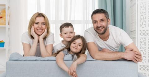 Минтруд представил правила назначения пособий для беременных и одиноких родителей на детей от 8 до 17 лет