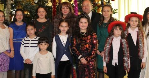 Новогодняя ёлка  для детей, находящихся в трудной жизненной ситуации