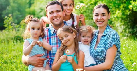 Организовано мероприятие по раздаче саженцев плодовых деревьев малоимущим семьям, имеющим 4-х и более детей