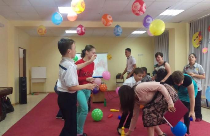 """Для 11-и воспитанников детского дома-интерната """"Забота"""" устроили праздник"""