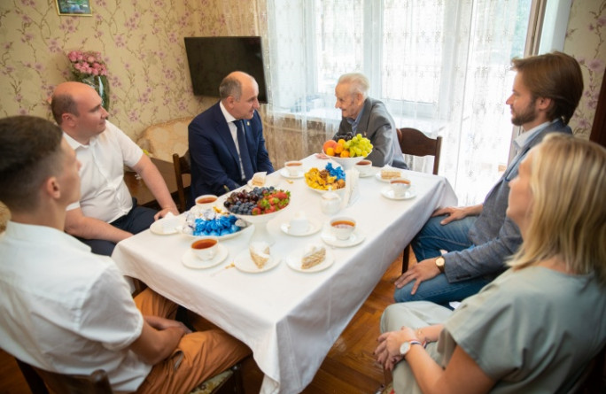 Глава Карачаево-Черкесии поздравил ветерана войны с 105-летним юбилеем