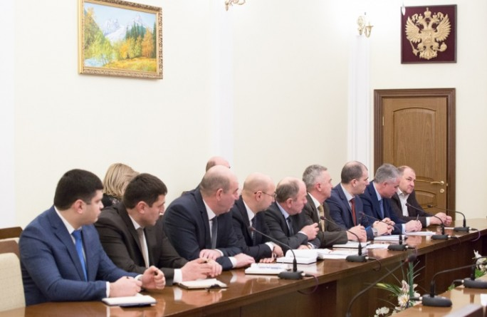Рашид Темрезов поручил руководителям органов власти республики составить «дорожную карту» решения поставленных задач по итогам Послания Президента России