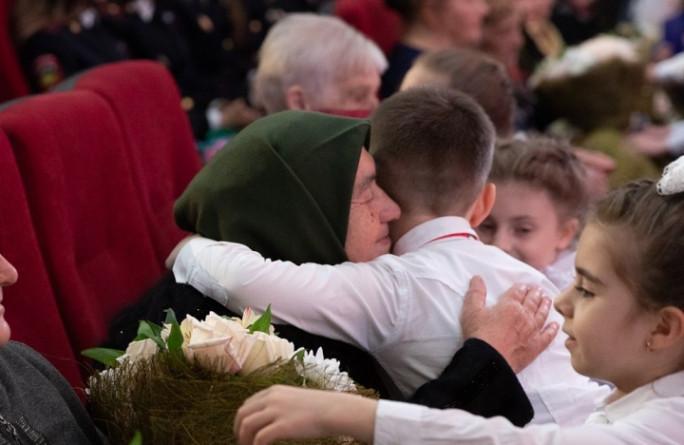 Рашид Темрезов поздравил женщин республики с наступающим 8 Марта