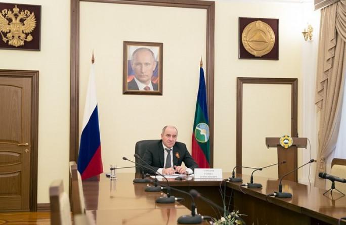 Владимир Путин провел совещание по вопросам санитарно-эпидемиологической обстановки и новым мерам поддержки граждан и предприятий