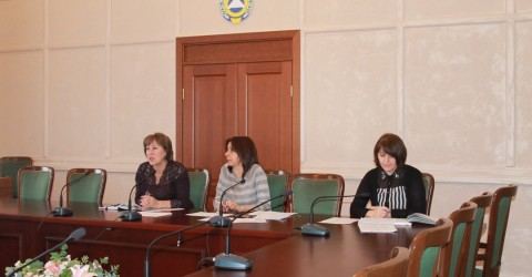 Проведено совещание с участием руководителей управлений социальной защиты населения муниципальных районов, городских округов КЧР, специалистов управления