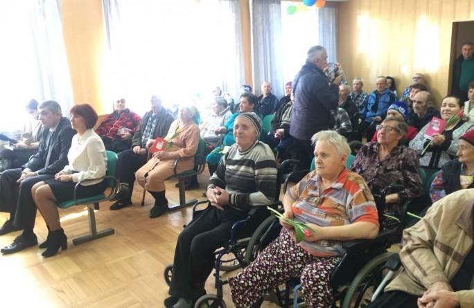 В «Дом-интернат для престарелых и инвалидов» прошло праздничное мероприятие, посвященное Международному женскому дню - 8 Марта