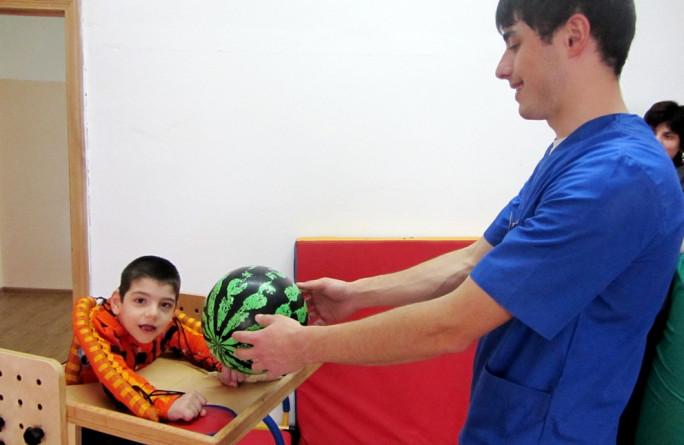 В Карачаево-Черкесии дети с ограниченными возможностями пройдут курс реабилитации в домашних условиях
