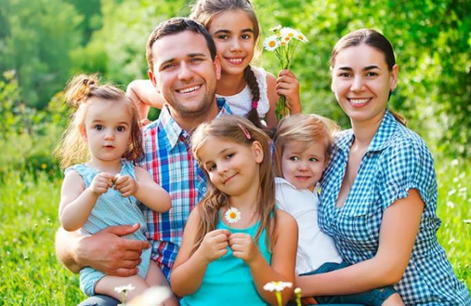В Карачаево-Черкесии почти 300 семей получили региональные выплаты за рождение четвёртого и последующих детей