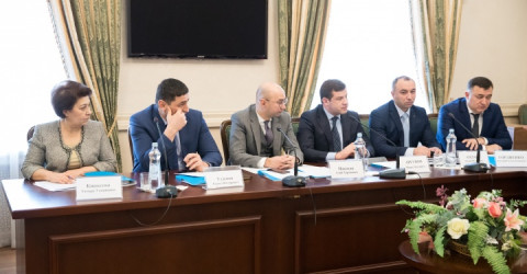 Вопросы реализации нацпроектов обсудили в Доме Правительства КЧР под председательством премьер-министра КЧР Аслана Озова