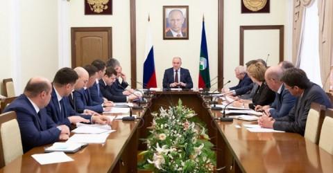 Вопросы реализации приоритетных национальных проектов обсудил Глава Карачаево-Черкесии с членами Правительства региона